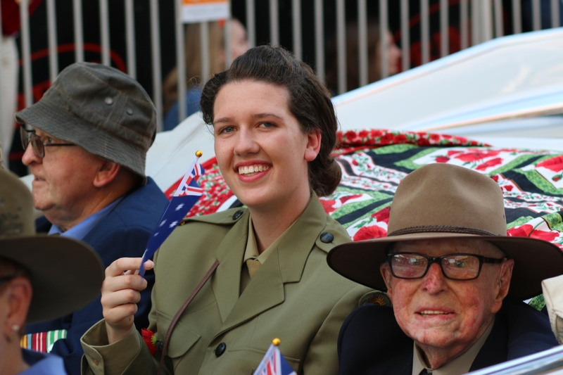 Imogen M with veterans (l) Jim Wrigley and ( r) Bert Collins